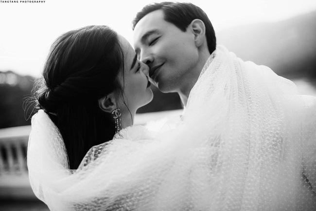 HOT: Hồ Ngọc Hà chính thức tung ảnh cưới, nhìn cô dâu cười rạng rỡ bên chú rể Kim Lý đã thấy hạnh phúc-1