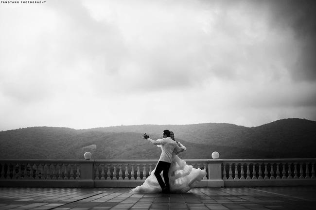HOT: Hồ Ngọc Hà chính thức tung ảnh cưới, nhìn cô dâu cười rạng rỡ bên chú rể Kim Lý đã thấy hạnh phúc-3
