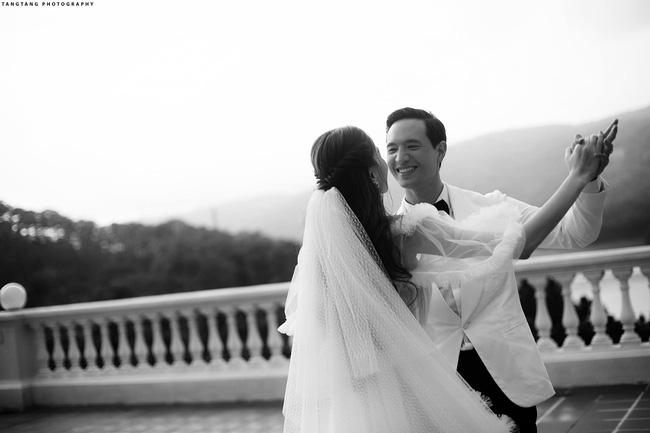 HOT: Hồ Ngọc Hà chính thức tung ảnh cưới, nhìn cô dâu cười rạng rỡ bên chú rể Kim Lý đã thấy hạnh phúc-4