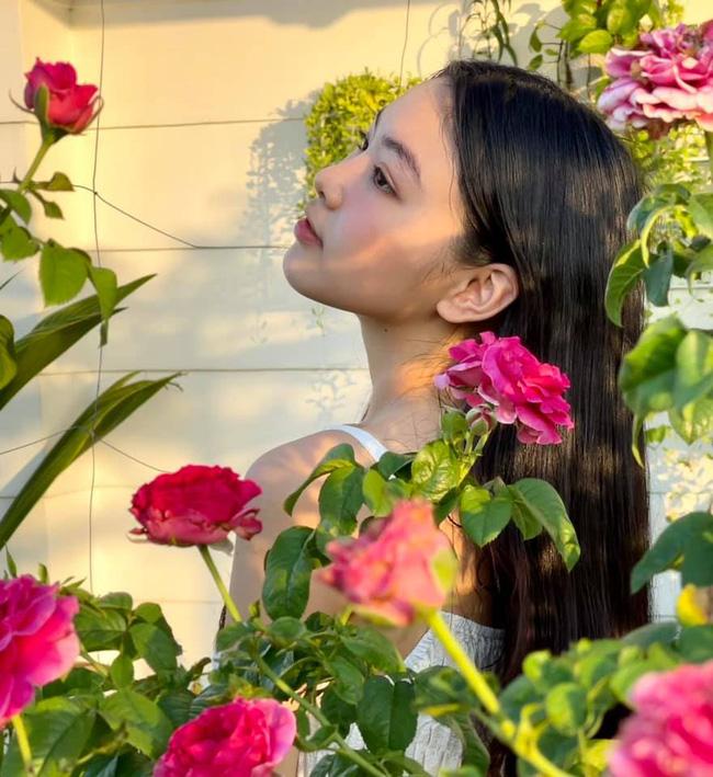 Con gái Quyền Linh gây ngỡ ngàng khi để mặt mộc chụp ảnh-3