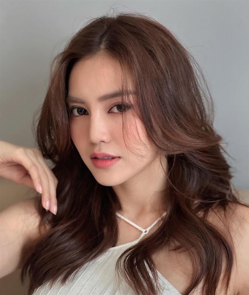 Quá nhiều mỹ nhân Việt đang để kiểu tóc xoăn này, và ai trông cũng trẻ trung sành điệu hẳn ra!-1