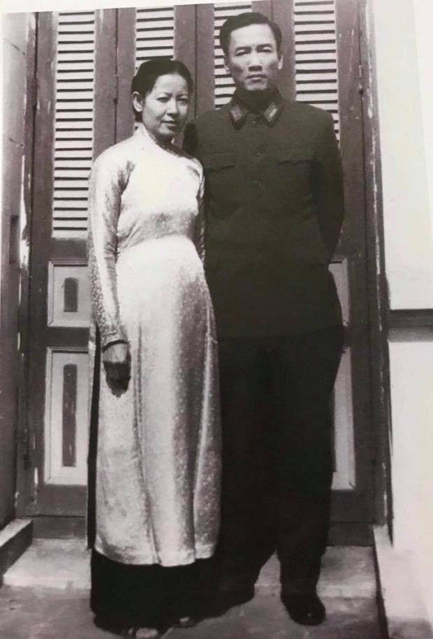 Hoa hậu Hà Kiều Anh khẳng định mình là Công chúa đời thứ 7 của triều Nguyễn, hậu duệ của Vua Minh Mạng lên tiếng phủ định!-7