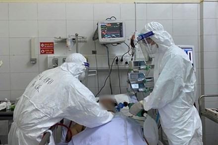 Thêm 2 bệnh nhân nữ mắc Covid-19 tại TP.HCM và Bắc Giang tử vong