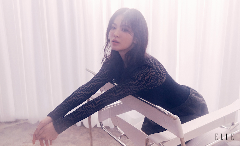 Bài phỏng vấn độc quyền của Song Hye Kyo trên ELLE Singapore, tiết lộ những câu chuyện đời tư phía sau hình ảnh hào nhoáng-4