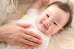 """Chăm sóc trẻ sơ sinh hãy nhớ """"3 chạm, 5 không chạm"""" để con phát triển khỏe mạnh mỗi ngày!"""