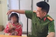 Bố mẹ đều là 'con nghiện' lâu năm, bé gái 11 tuổi bị bỏ đói đi lạc trong rừng