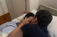 Cô gái chia sẻ chuyện tình của bố mẹ cùng khoảnh khắc mẹ nằm trên giường bệnh gây xúc động: 'Đi làm về việc đầu tiên của bố làm là đi tìm vợ'