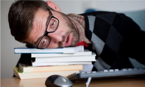 10 mẹo chữa buồn ngủ để hồi phục sau những trận bóng đêm khuya, dù có cày liên miên cũng chẳng lo ngủ gật-1