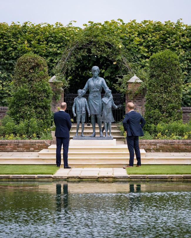 Hoàng gia Anh tiết lộ lý do vì sao Công nương Kate vắng mặt trong lễ tưởng niệm mẹ chồng-1