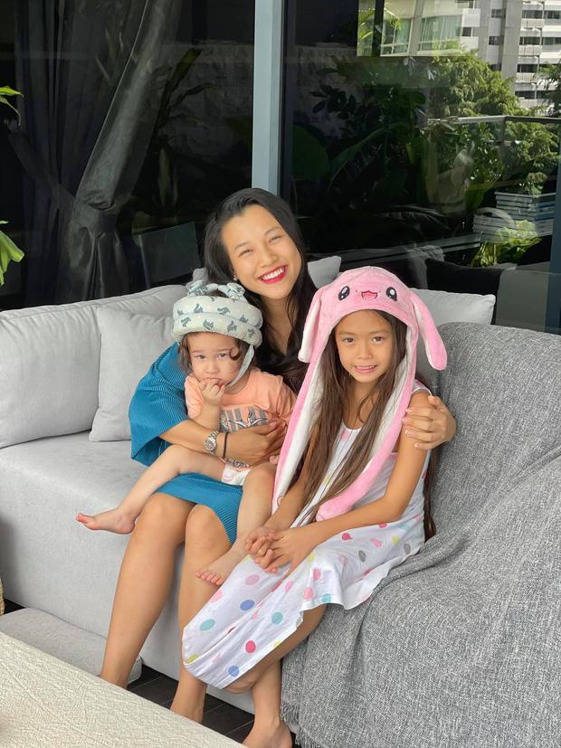 Đoan Trang hội ngộ gia đình Hoàng Oanh, lần đầu hé lộ nhiều ngóc ngách trong căn penthouse xịn xò tại Singapore-2