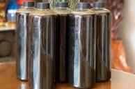 Việt Nam có thứ mật đen siêu hiếm, hàng triệu đồng 1 lít vẫn khó mua
