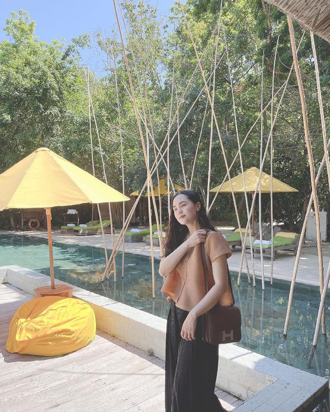 """Đi nghỉ dưỡng resort 5 sao với chồng, Quỳnh Anh bất ngờ để lộ vòng 2 lùm lùm"""" dấy lên nghi vấn đang mang thai!?-6"""