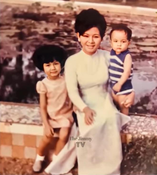 Hé lộ ảnh hiếm của Kim Ngân bên chồng và con trai khi chưa hóa điên khiến nhiều người xót xa-1