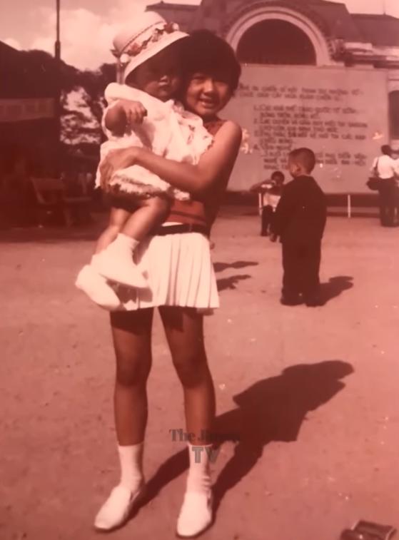 Hé lộ ảnh hiếm của Kim Ngân bên chồng và con trai khi chưa hóa điên khiến nhiều người xót xa-4