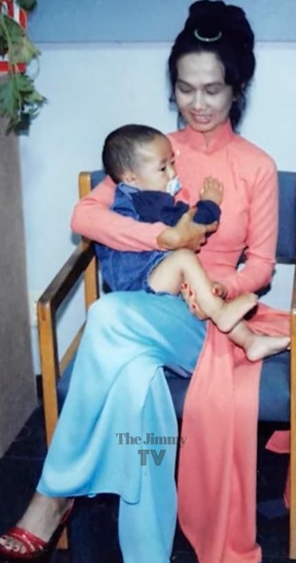 Hé lộ ảnh hiếm của Kim Ngân bên chồng và con trai khi chưa hóa điên khiến nhiều người xót xa-15