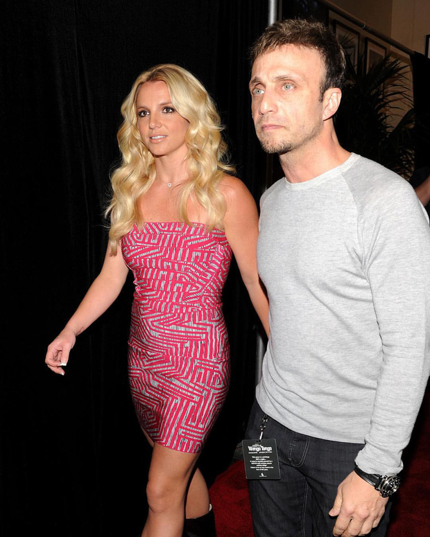 Britney Spears sẽ chính thức giải nghệ, quản lý lâu năm nộp đơn từ chức sau khi bị tố cáo thông đồng bóc lột nữ ca sĩ-2