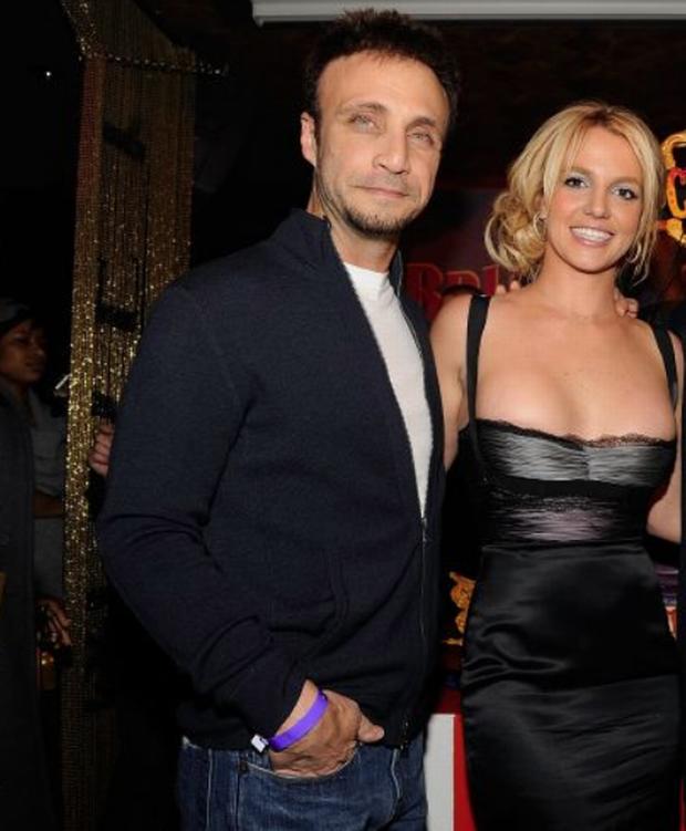Britney Spears sẽ chính thức giải nghệ, quản lý lâu năm nộp đơn từ chức sau khi bị tố cáo thông đồng bóc lột nữ ca sĩ-4