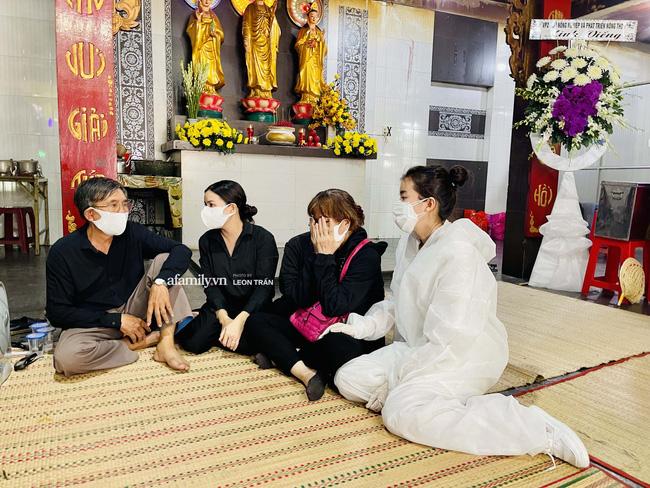 Tang lễ diễn viên Đức Long diễn ra trong hiu quạnh, Cao Thái Hà khẳng định không kêu gọi quyên góp-2
