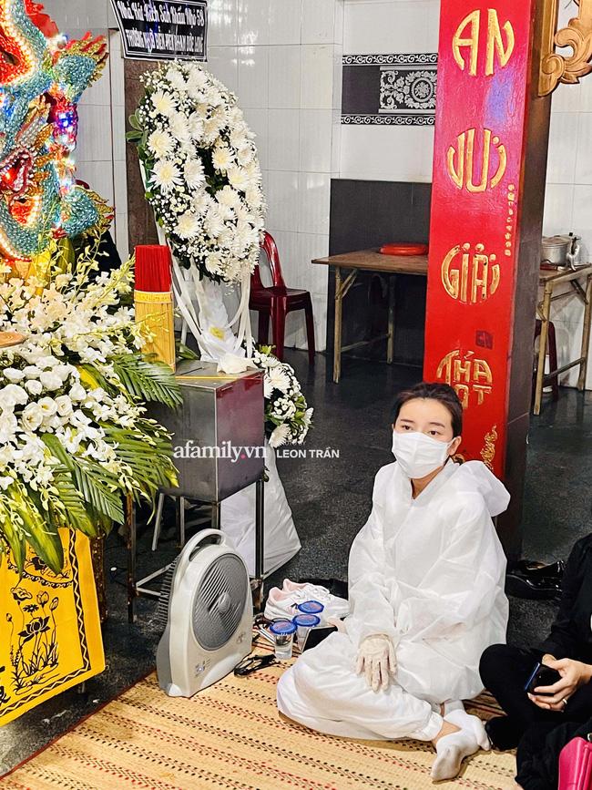 Tang lễ diễn viên Đức Long diễn ra trong hiu quạnh, Cao Thái Hà khẳng định không kêu gọi quyên góp-3