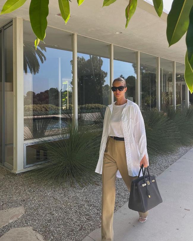 Mỹ nhân Hollywood diện áo sơ mi theo cách thoải mái, đơn giản nhưng sành điệu 100 điểm-10