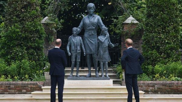 Hé lộ tham vọng của Harry và Meghan với di sản Công nương Diana khiến dư luận phản đối-2
