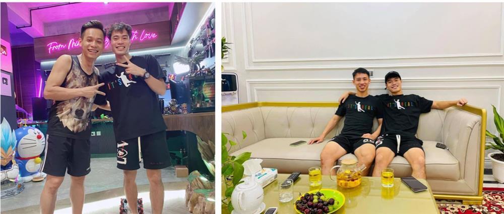 Văn Toàn và Văn Thanh bị team qua đường quay lén: Nhìn kiểu gì cũng thấy đẹp trai thực sự!-3