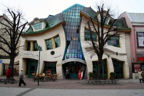5 ngôi nhà có hình dáng kỳ lạ nhất thế giới, ai nhìn vào cũng tò mò muốn biết bên trong thế nào-3