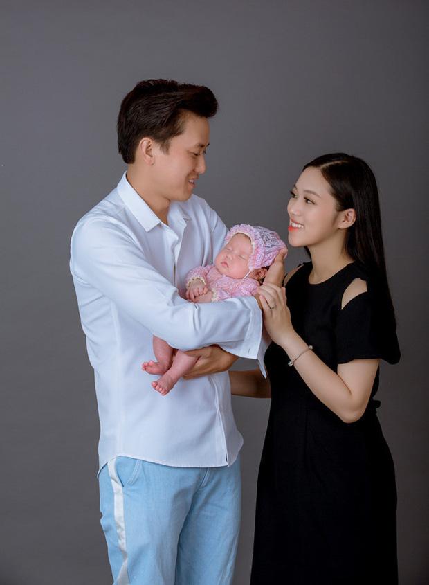 Đây là nguyên nhân vợ kém 16 tuổi của Quách Ngọc Tuyên đẻ con gái 2 tuổi rồi mới tham gia kỳ thi THPT Quốc gia 2021-2