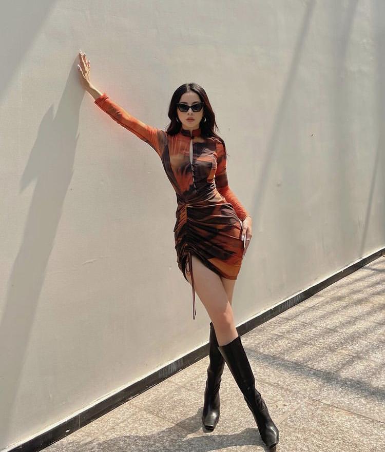 Thời trang phang thời tiết: 40 độ Kỳ Duyên, Chi Pu vẫn diện boots cao cổ-3