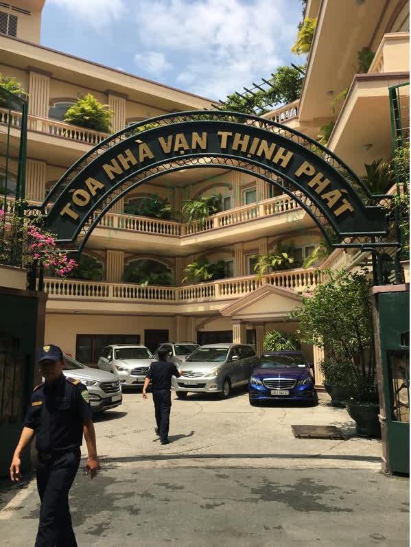 Bà chủ hiện tại của Thuận Kiều Plaza: Sở hữu khối tài sản ngang ngửa tỉ phú Phạm Nhật Vượng, bất chấp mọi lời đồn quyết vực dậy 3 tòa chung cư bỏ hoang-3