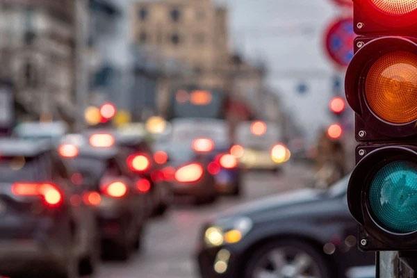 Trả thù người yêu cũ bằng cách cho xe ô tô 49 lần vượt đèn đỏ-1