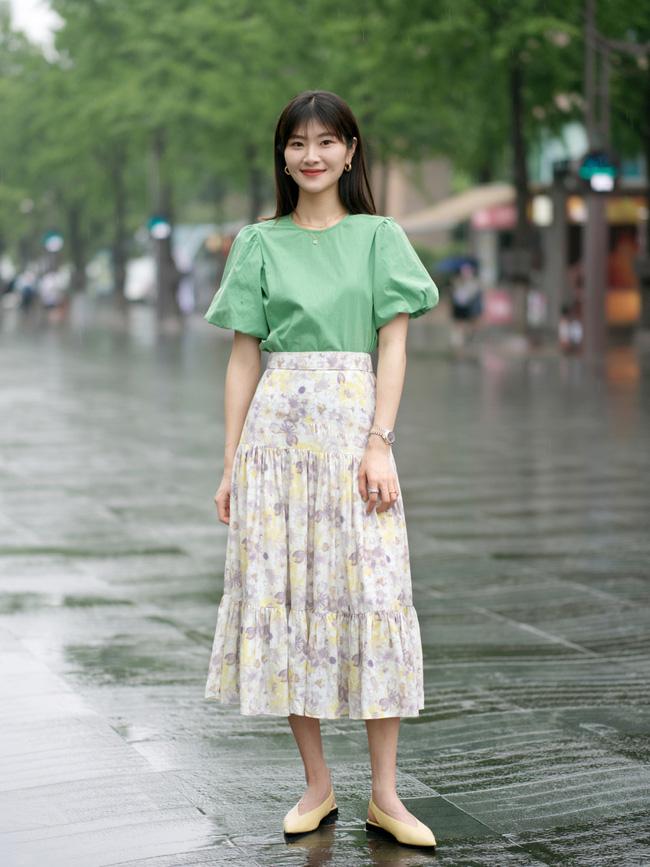Street style Châu Á: Loạt quý cô khoe dáng với quần cạp cao nhưng vẫn có pha mặc lỗi-2