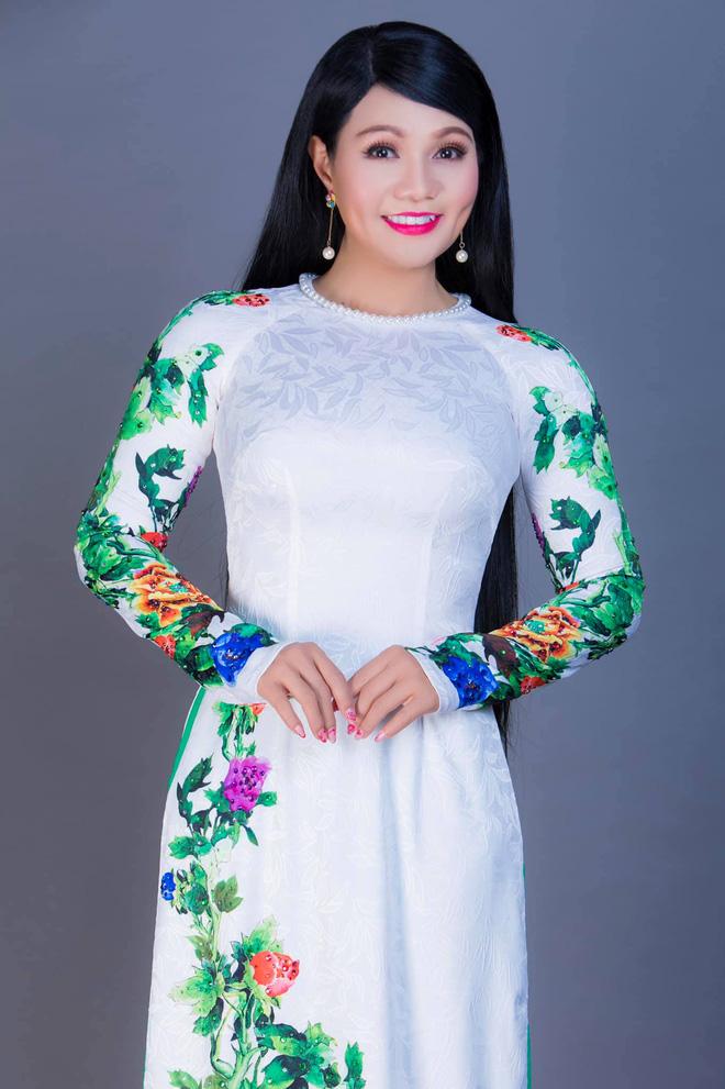 Clip: Tên trộm lẻn vào trộm nhà nữ ca sĩ Việt, nhưng vẫn không quên... bái lạy bàn thờ nhà nạn nhân trước khi hành sự-3