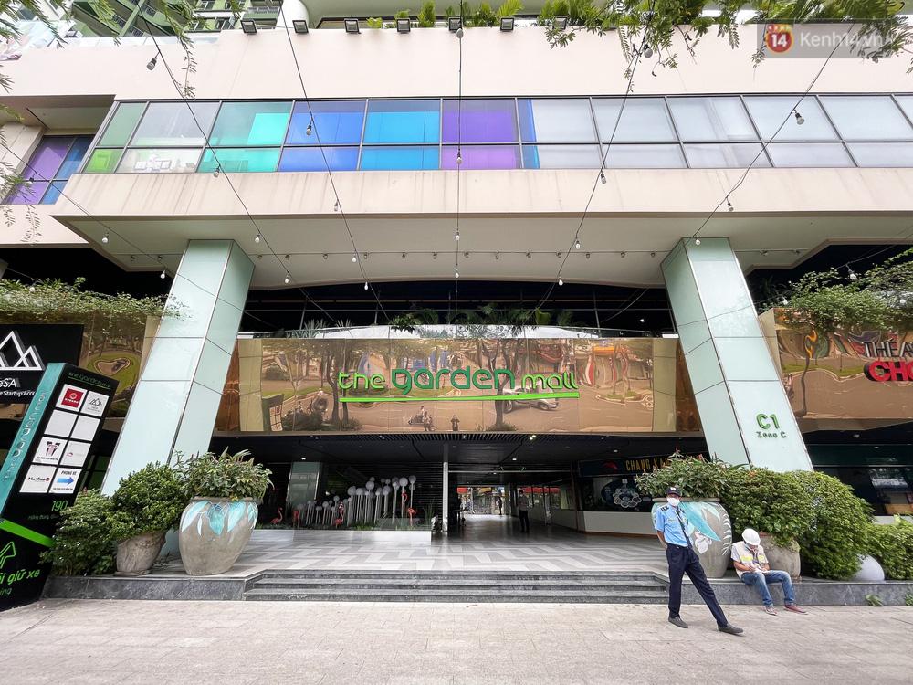 Toàn cảnh bên trong Thuận Kiều Plaza đang thi công chuyển đổi thành bệnh viện dã chiến 1.000 giường bệnh-1