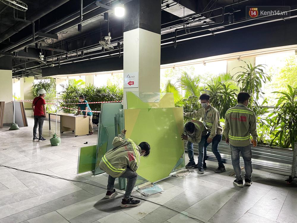 Toàn cảnh bên trong Thuận Kiều Plaza đang thi công chuyển đổi thành bệnh viện dã chiến 1.000 giường bệnh-13