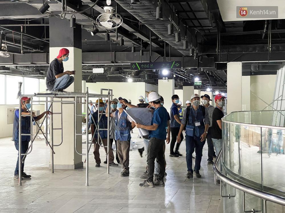 Toàn cảnh bên trong Thuận Kiều Plaza đang thi công chuyển đổi thành bệnh viện dã chiến 1.000 giường bệnh-5