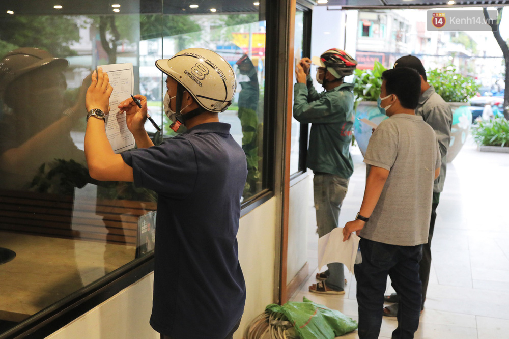 Toàn cảnh bên trong Thuận Kiều Plaza đang thi công chuyển đổi thành bệnh viện dã chiến 1.000 giường bệnh-11