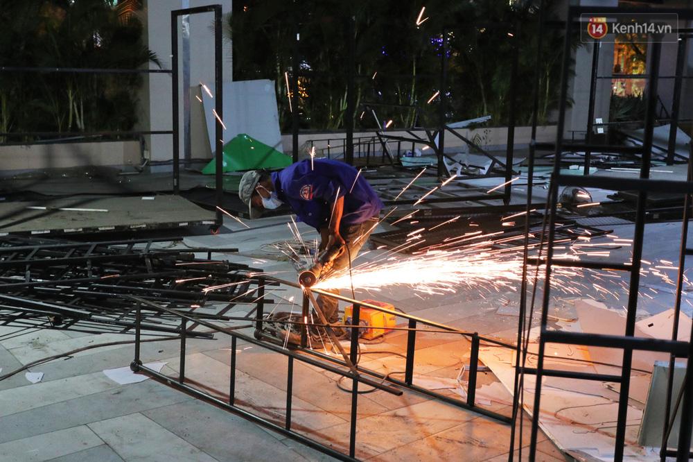 Toàn cảnh bên trong Thuận Kiều Plaza đang thi công chuyển đổi thành bệnh viện dã chiến 1.000 giường bệnh-17