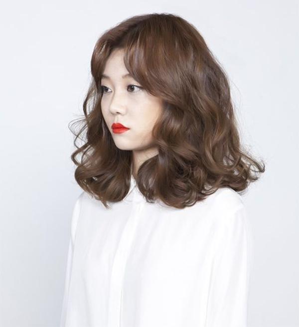 35 Kiểu tóc uốn đẹp nhất 2021 cho nữ cực trẻ trung và quyến rũ-3