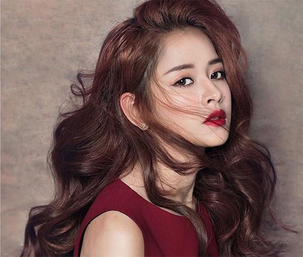 35 Kiểu tóc uốn đẹp nhất 2021 cho nữ cực trẻ trung và quyến rũ-8
