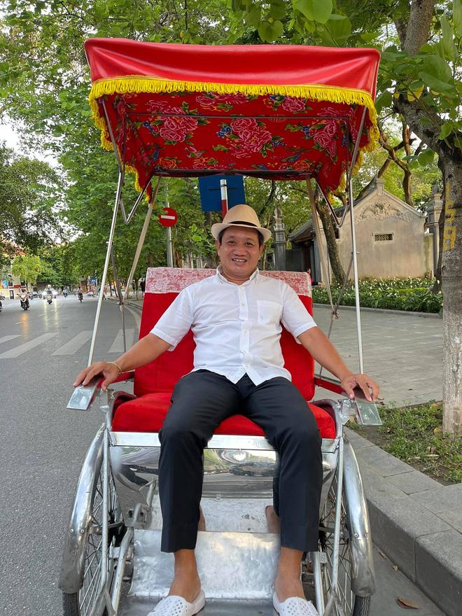 Mới sáng mùng 1 đã bị người lạ đuổi về Sài Gòn, ông Đoàn Ngọc Hải đáp: Bạn chỉ cần ngồi im đã là tuyệt vời!-2