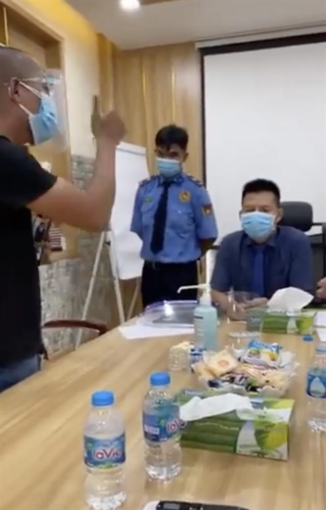 Bé 4 tuổi bất ngờ tử vong, người nhà bao vây Bệnh viện đa khoa tư nhân Bình Dương-2