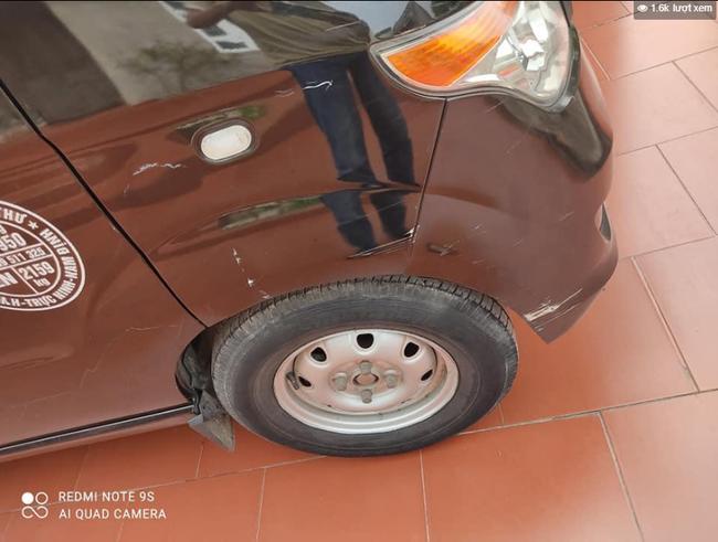 Thanh niên hổ báo đập phá ô tô chỉ vì hành động quen thuộc với hàng triệu tài xế-1