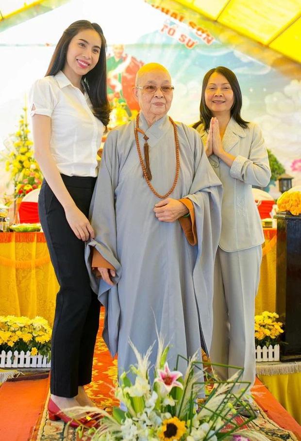 Mẹ Thuỷ Tiên đáp trả khi bị netizen chỉ trích chuyện từ thiện: Nếu cô tạo nghiệp thì không ai che đậy được, chỉ trừ cô tự sám hối ăn năn-6