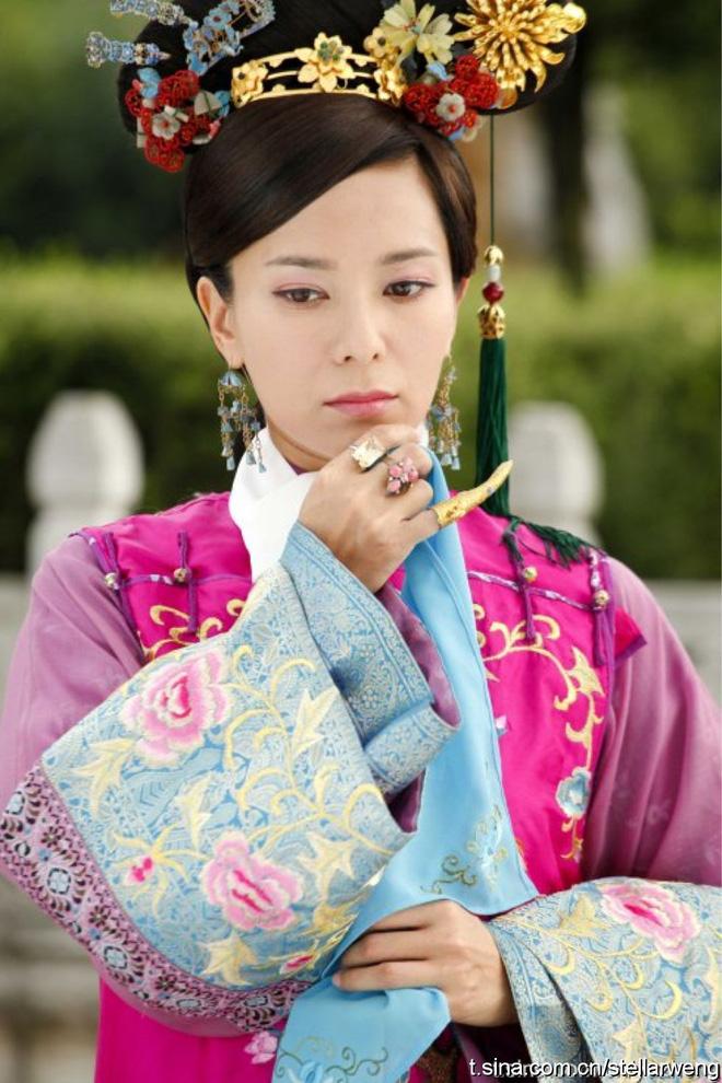 Hoa hậu Hong Kong từng phá thai để đóng phim bây giờ ra sao?-5