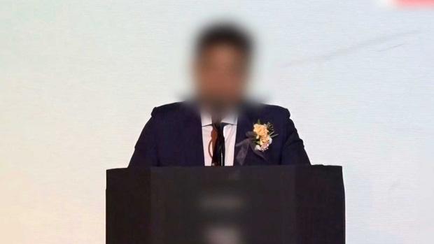 NÓNG: Cảnh sát điều tra khẩn tiệc thác loạn của đại gia và dàn sao Hàn, 1 nữ idol nổi tiếng đã bị tìm ra danh tính-1