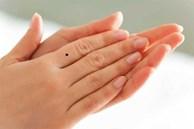 Nhìn nốt ruồi trên ngón tay, đoán được tương tai giàu hay nghèo, sướng hay khổ
