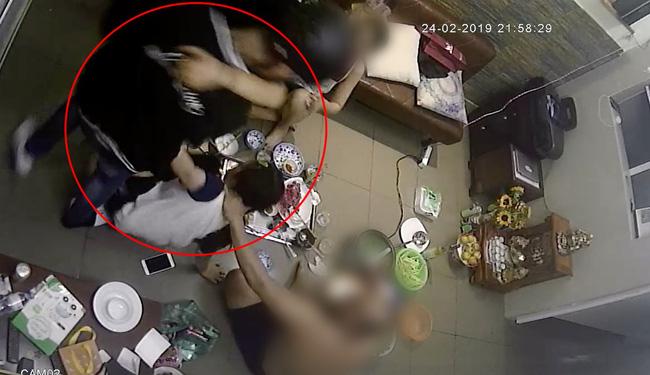 Sốc: Đạt G bị tung clip hành hung bạn gái cũ, lao vào đạp tát khi Du Uyên đang ăn cơm với gia đình-1