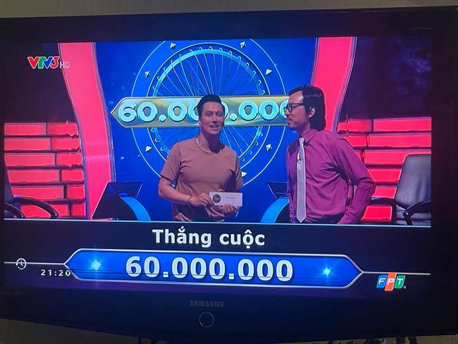 Việt Anh thắng 60 triệu ở Ai là triệu phú, Quỳnh Nga vào bình luận ý nhị, bên dưới còn có người nhắc danh hiệu NSƯT-4