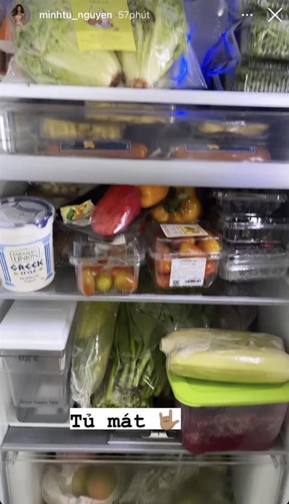 Minh Tú khoe sự giàu sang giữa mùa dịch: Tủ lạnh, kệ đồ ăn đầy ắp như một chiếc siêu thị mini thế này?-6